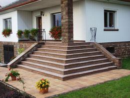 Pages escalier exterieur for Habillage escalier beton exterieur